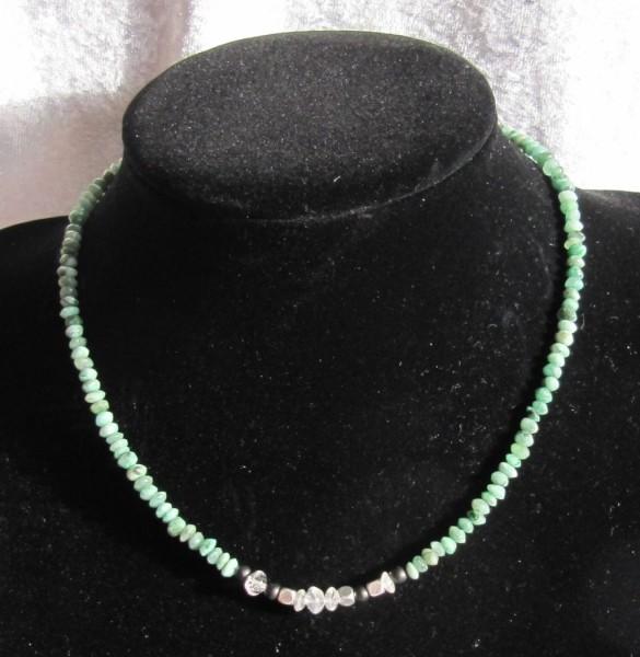 Smaragdkette mit Schungit und Bergkristall