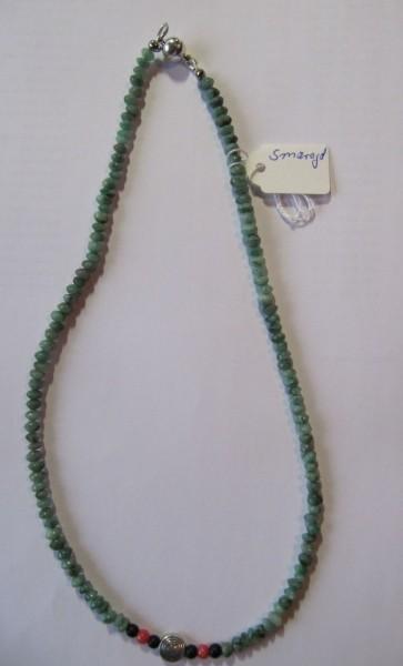 Smaragd - Schungit- Korallen Kette